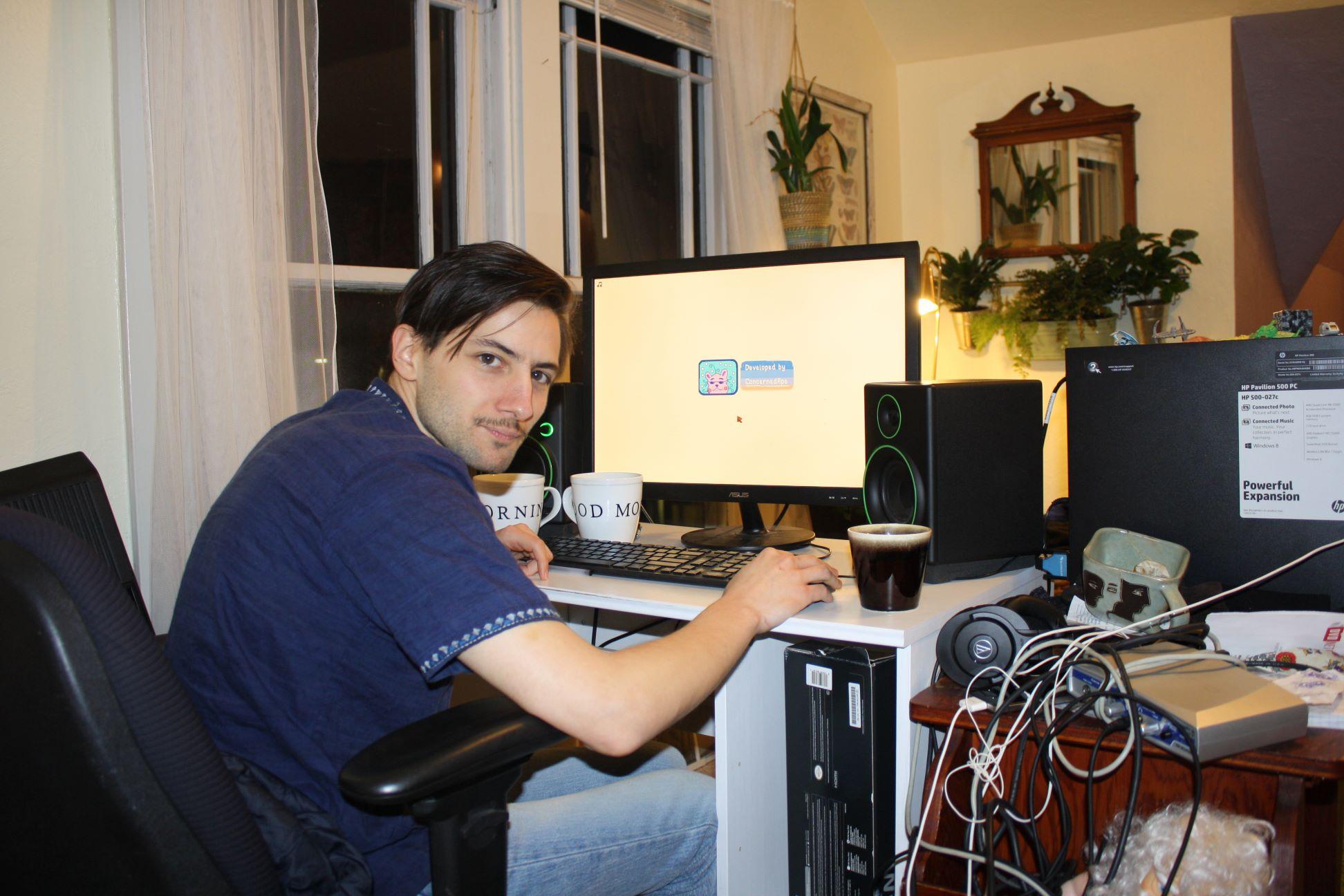 Eric Barone n'avait jamais fait de jeu vidéo quand il a commencé à travailler seul sur Stardew Valley. Après quatre ans de labeur, son jeu s'est vendu à un demi-million d'exemplaires en quelques semaines.