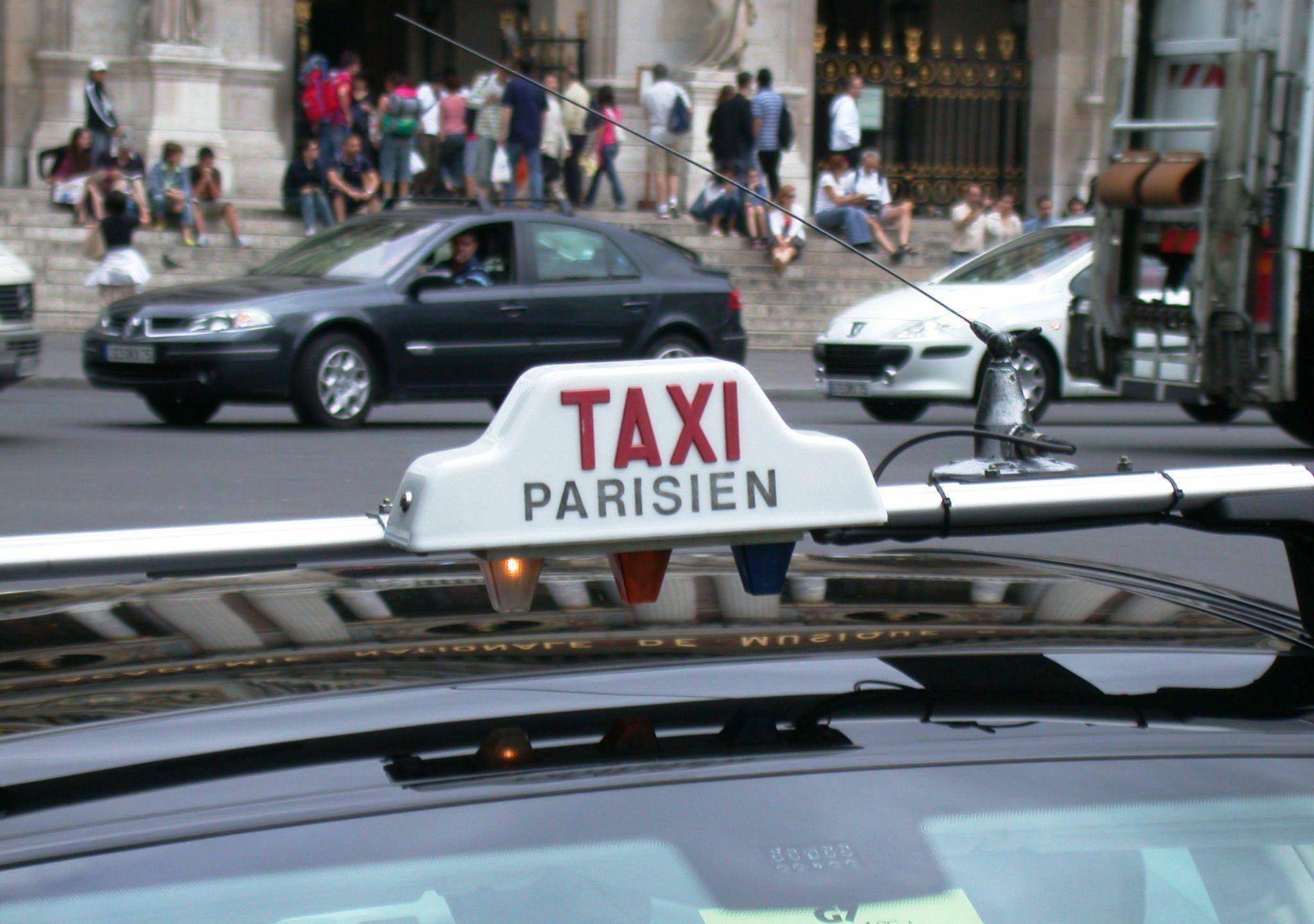 Comptez 25 à 30 euros pour traverser Paris sans embouteillage, plus 7 euros si vous avez l'audace de commander votre taxi d'avance. Photo: (WT-shared) Riggwelter at wts.wikivoyage, creative commons.