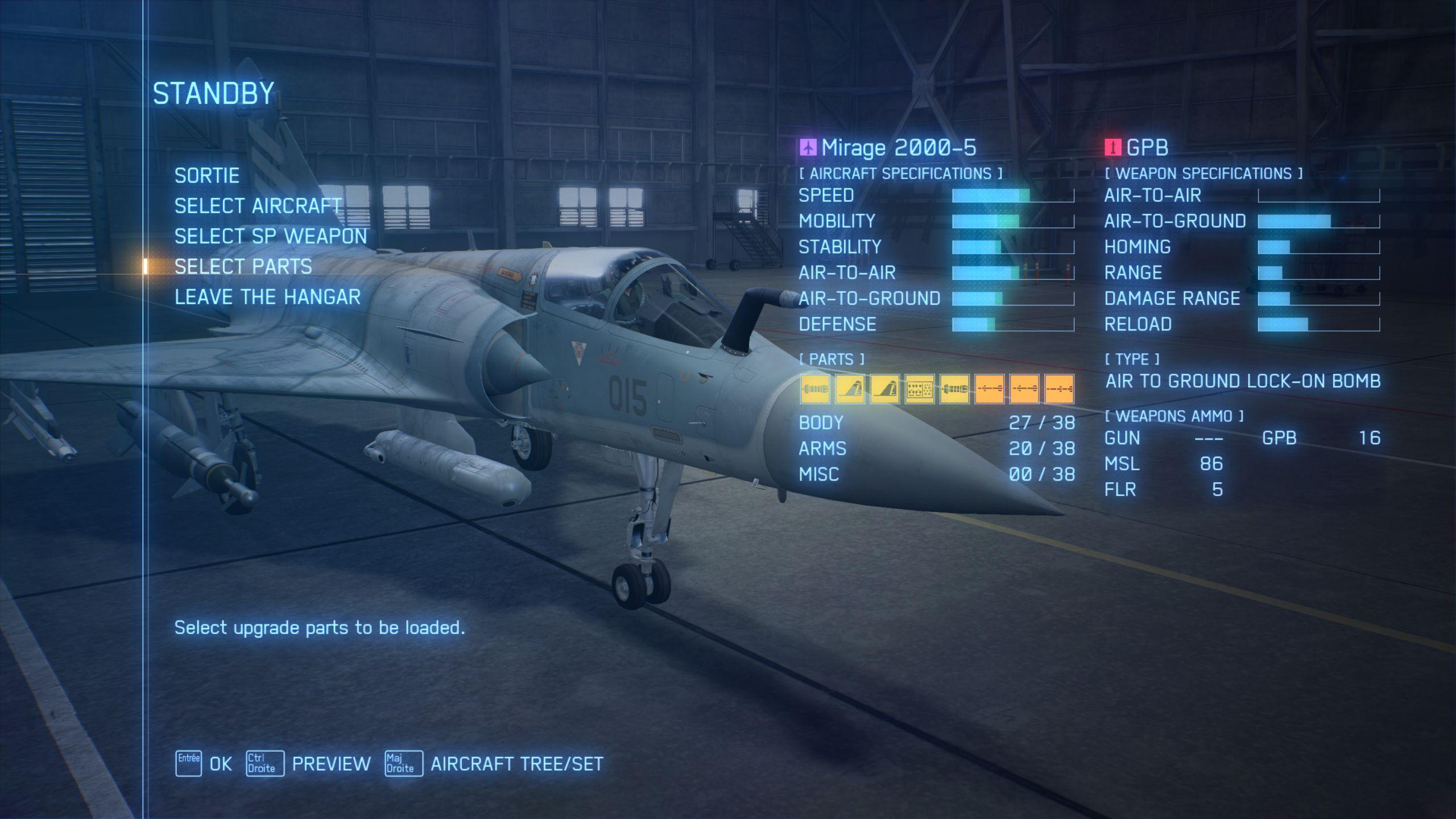 La musique du hangar est... disons, particulière. Cela dit, un jeu qui diffuse une mélodie funky au moment du choix entre bombes à fragmentation et missiles sol-air ne peut pas être totalement mauvais.