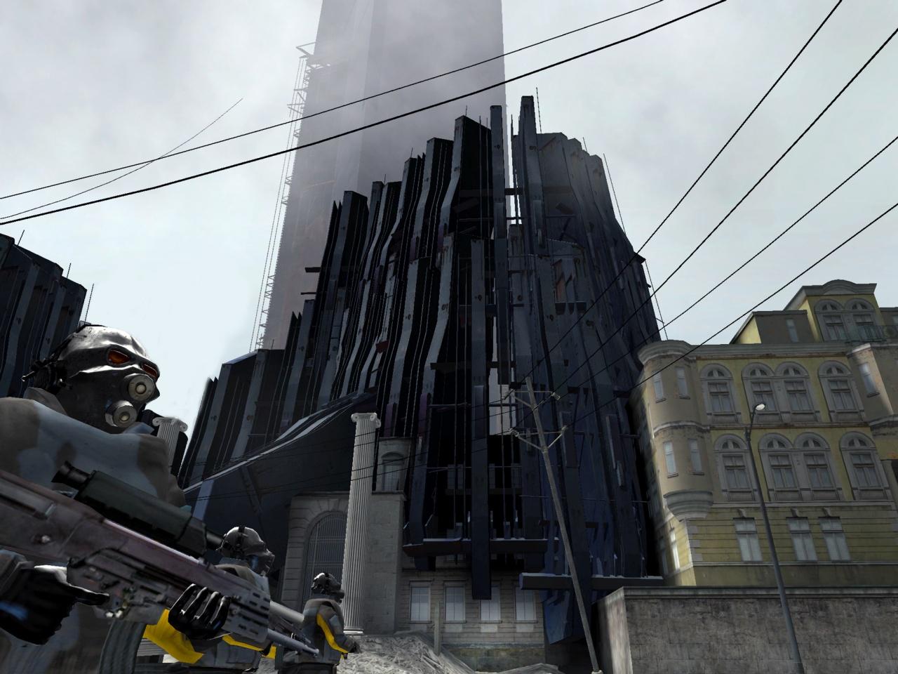 La Citadelle de Half-Life 2, aussi menaçante que doit l'être tout bâtiment administratif.